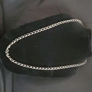 Avon Balck and Gold Chain Necklace